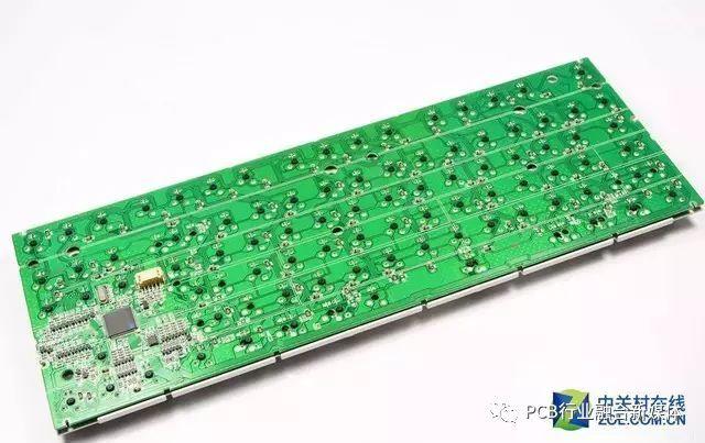 没错,薄膜键盘使用的是矩阵电路.